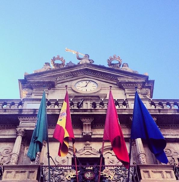 Fachada del Ayuntamiento de Pamplona (Navarra)