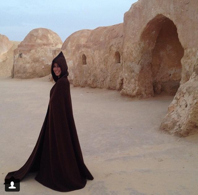 Bella Jedi en las ruinas de Tatooine. Desierto del Sahara (Túnez)