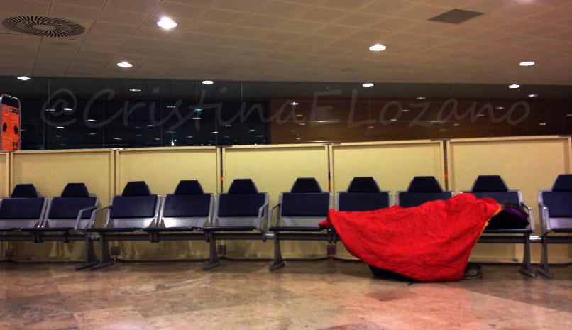 Durmiendo en la T1 Aeropuerto de Barajas, Madrid (España)