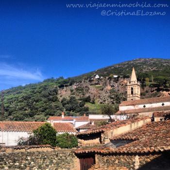Vistas a la Peña Arias Montano desde la Posada San Marcos (Alájar, Aracena, Huelva)