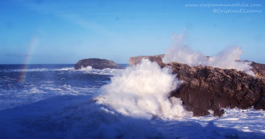 Tiemporal en la Virgen del Mar (Santander, Cantabria, España)
