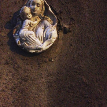 Virgen en una puerta de Valletta (Malta)