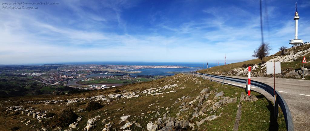 Panorámica desde Peña Cabarga con Cámara Oscura y Bahía de Santander (Cantabria)