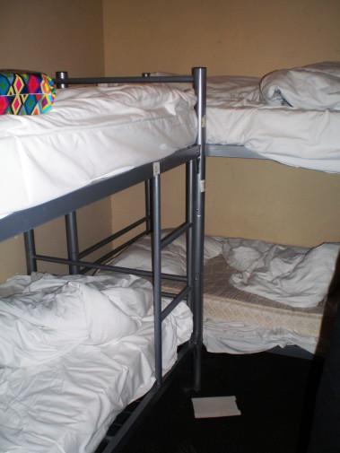 Habitación compartida por seis personas del Marnix Hotel (Amsterdam, Holanda. Países Bajos)