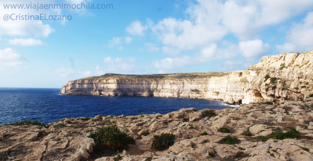 Vistas de la Bahía de Dwerja (Gozo, Malta)