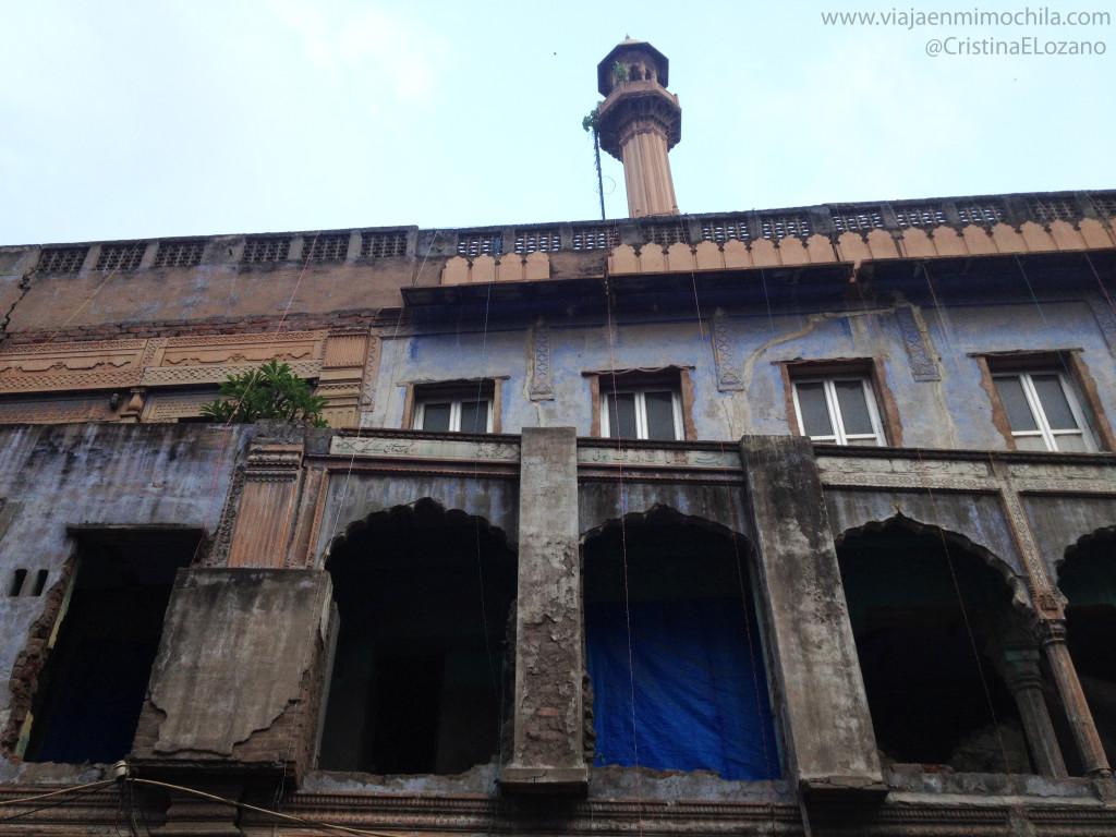 Edificio bonito de Pahar Ganj, Nueva Delhi (India)