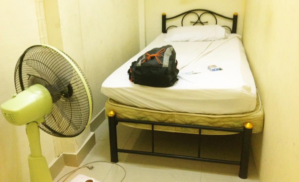 Habitación Lumphini Home Stay. Bagnkok. Tailandia