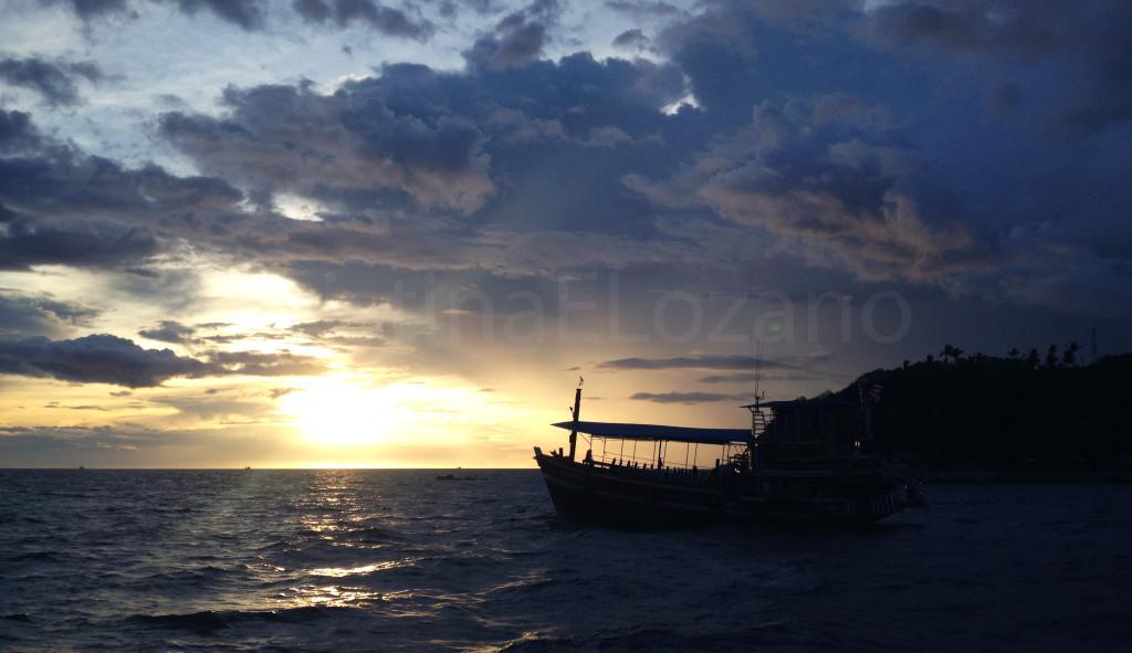 Atardecer previa inmersión nocturna (Koh Tao, Golfo de Tailandia)