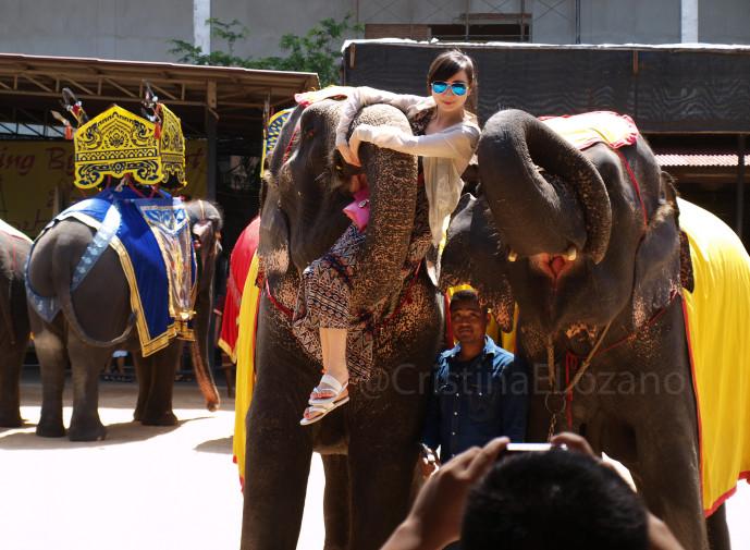 Espectáculo de elefantes cerca de Pattaya (Tailandia)