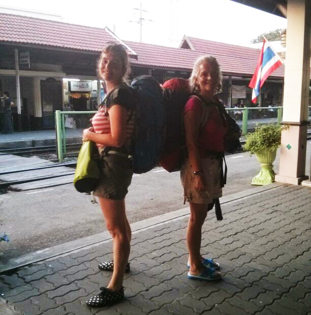 Blancas mochileras en Tailandia
