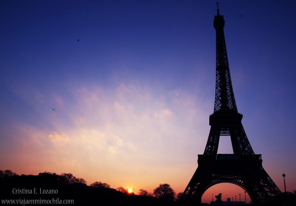 Amanecer en la Torre Eiffel. París (Francia)