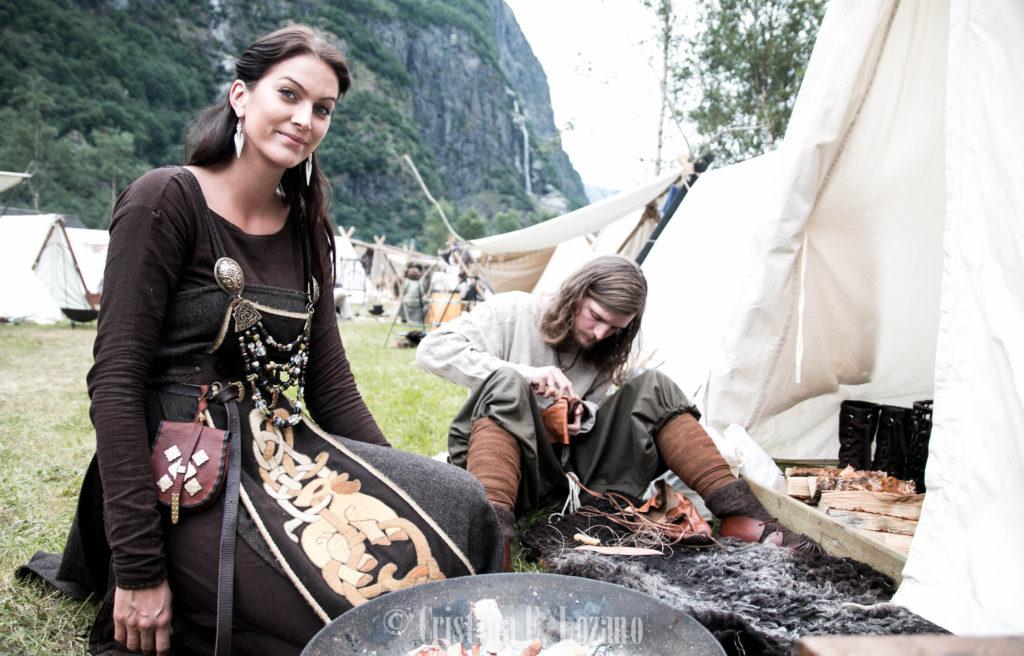 mercado vikingo gudvangen fiordo sueños noruega bella vikinga