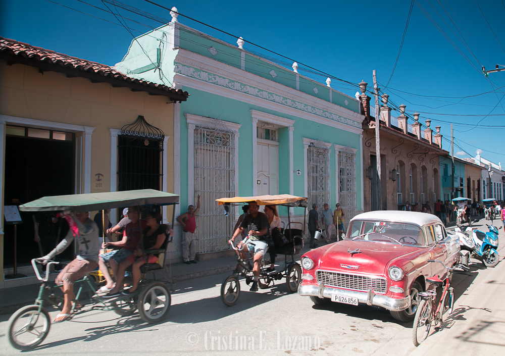 Guía rápida de Cuba- una calle de Trinidad, Cuba-4