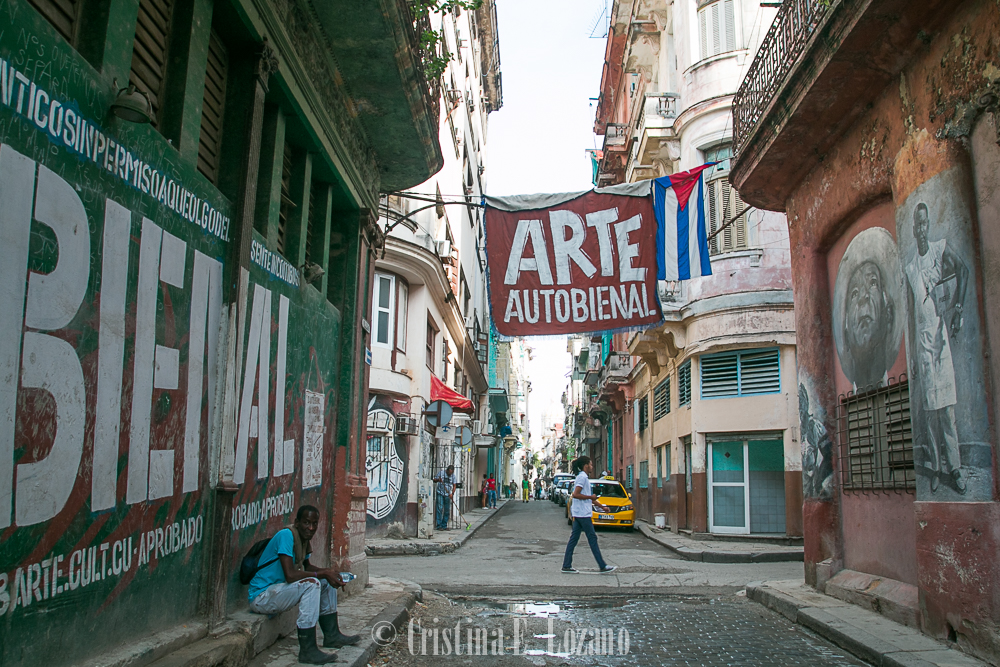 Guía rápida de Cuba- una calle de La Habana, Cuba-2