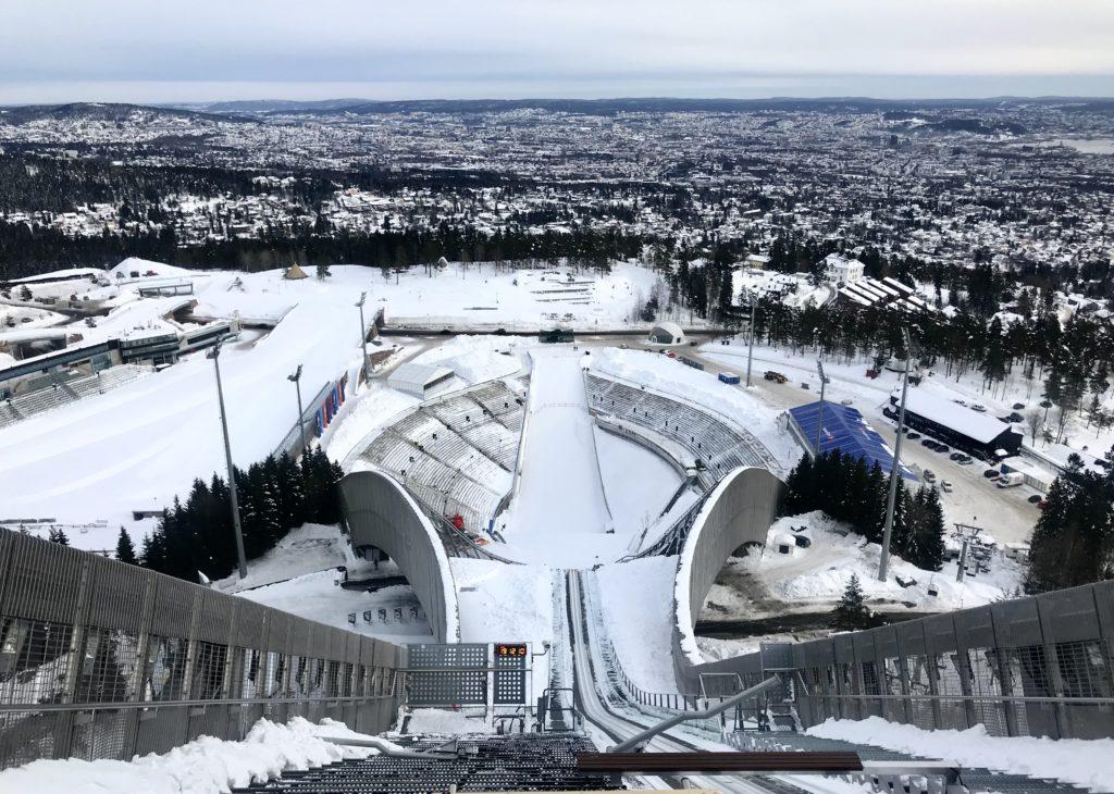 Håken Holmen, el impresionante salto de esqui de Oslo (Noruega)