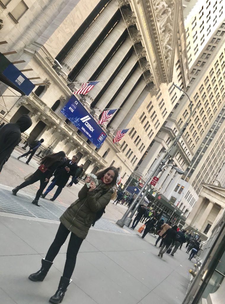 Cómo ganar dinero en Wall Street, Nueva York