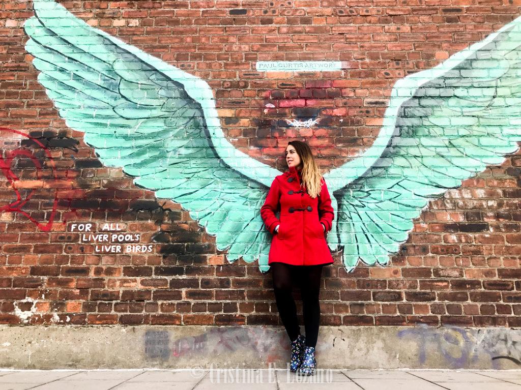 Qué ver y que hacer en Liverpool gratis. Graffiti alas. Liver wings. Urban Art para Instagram